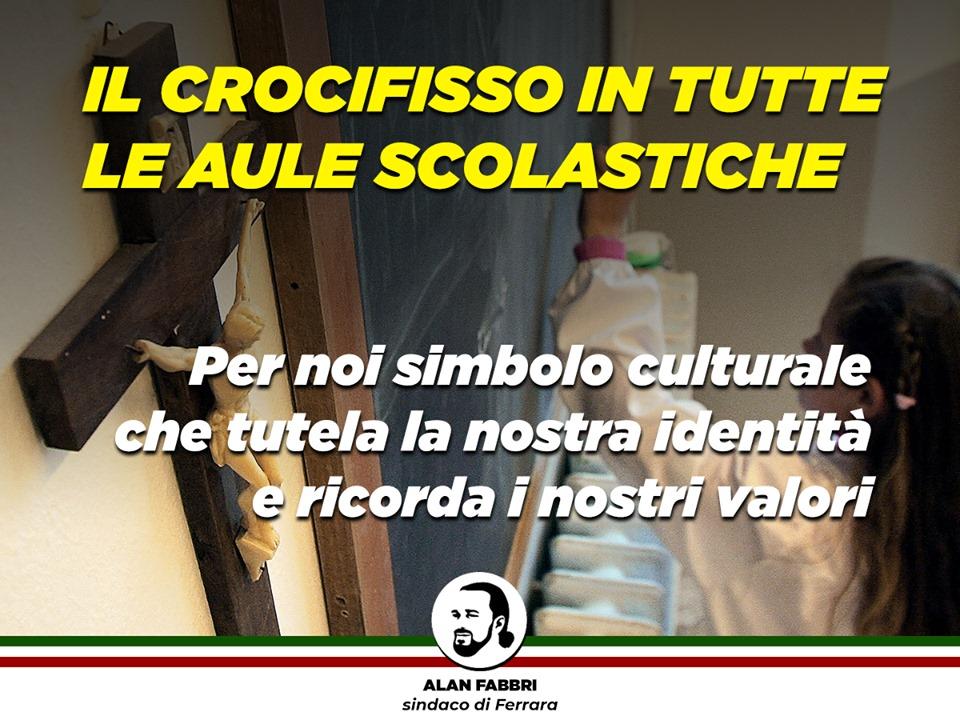 Un alcalde italiano compra 385 crucifijos para regalarlos a todas las escuelas de la ciudad