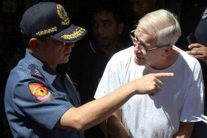 Acusan a un conocido cura estadounidense de abusar de niños en Filipinas