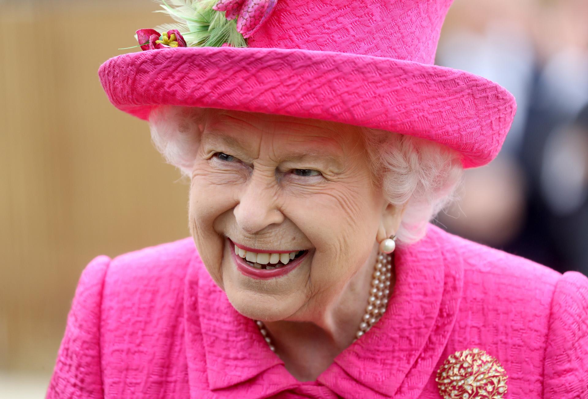 Los 5 misterios de la reina Isabel II de Inglaterra desvelados por su mayor confidente