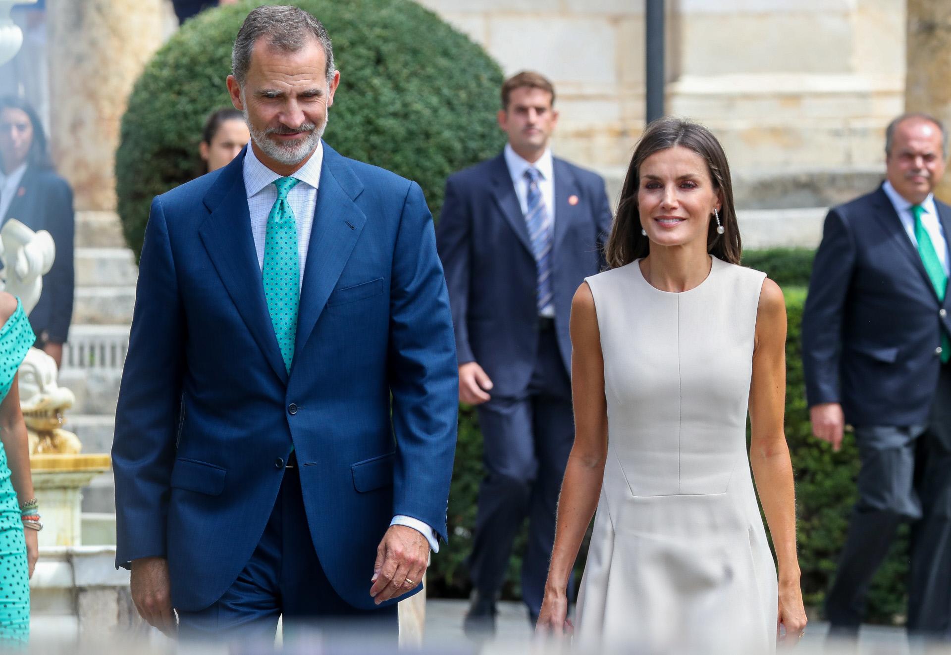 ¿Cómo pueden los Reyes de España evitar que la visita programada por Sánchez a Cuba sirva para 'blanquear' a la dictadura castrista?