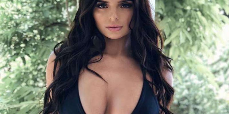 Yee haw: Así luce la pechugona Demi Rose disfrazada de sexy vaquerita
