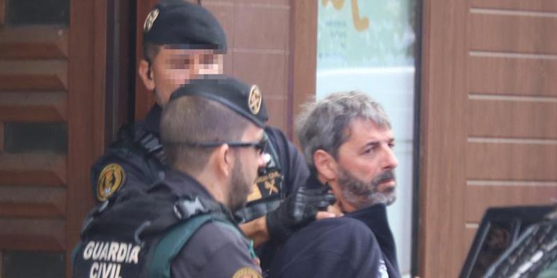 Descubren explosivos y mapas de un cuartel de la Guardia Civil durante los registros a los nueve detenidos de los CDR