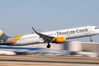 La quiebra del grupo de viajes Thomas Cook deja colgados de la 'escalerilla' a 600.000 turistas