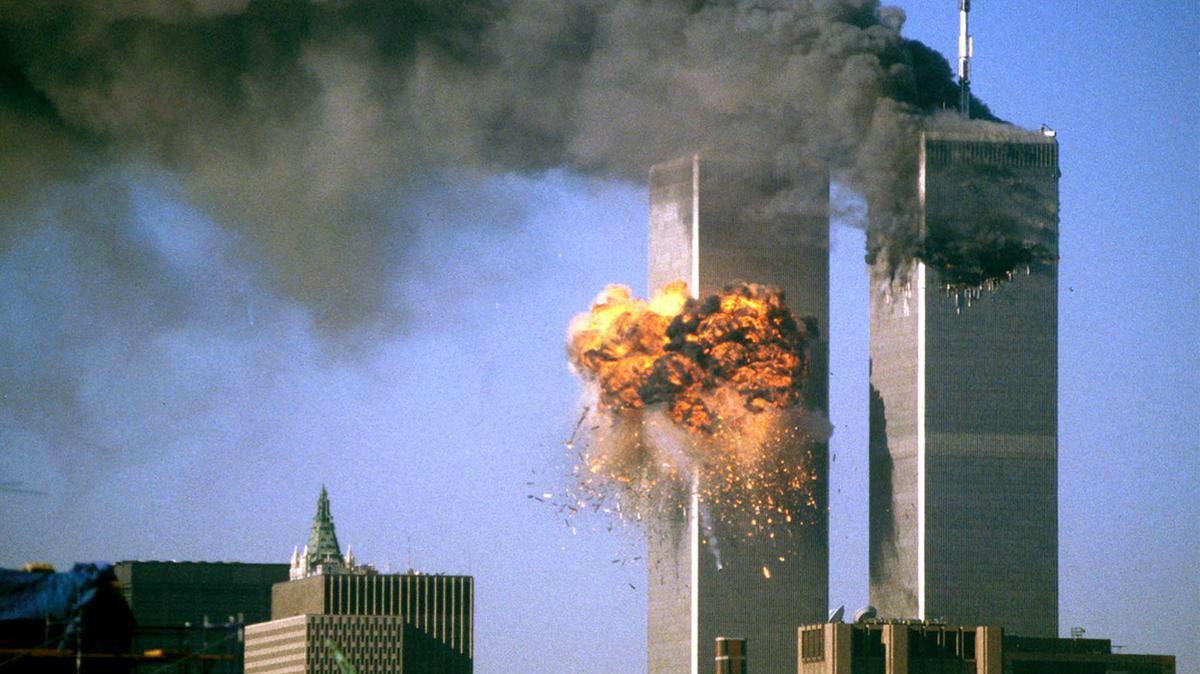 Un ángel y un bombero aparecen en el cielo: la hermosa foto registrada en el aniversario del 11-S