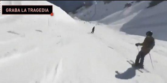 Esquiadora graba la avalancha que se produjo en una estación de esquí suiza durante su descenso