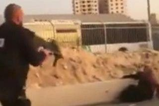Esta fanática palestina muere acribillada por guardias israelíes a los que intentó acuchillar