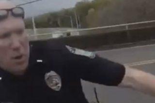 Este oficial de policía héroe salva a un hombre de saltar de un puente
