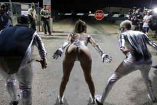 Cinco detenidos -uno meó en la valla- por intentar asaltar el Área 51, para liberar a los 'aliens' allí retenidos por el Pentágono