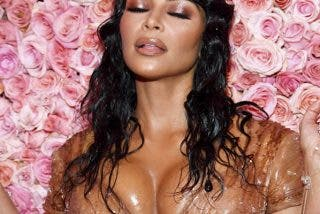 Las inmensas caderas de Kim Kardashian casi hacen explotar su mini vestido plateado