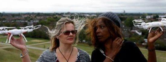 Scotland Yard frustra el plan de estas dos 'ecologistas descerebradas' que pretendían parar con drones todos los aviones de Heathrow
