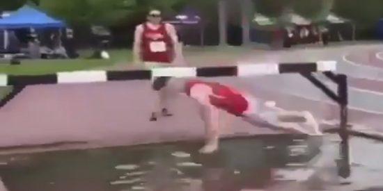 Vídeo Viral: La genial reacción de los dos últimos de la carrera pedestre