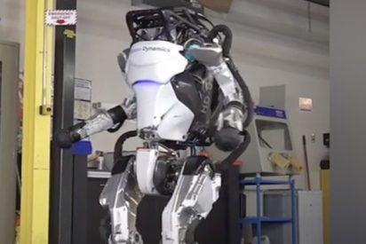 Mira el nuevo robot de Boston Dynamics haciendo increíbles acrobacias