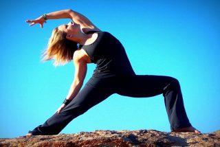 Practica esta postura de yoga cuando te sientas cansado ¡Te cargará las pilas!