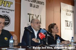 Los taxistas de Barcelona pagan la carrera más cara: el prevaricador Elpidio Silva les cobra dos millones de euros por defenderles de Uber y Cabify