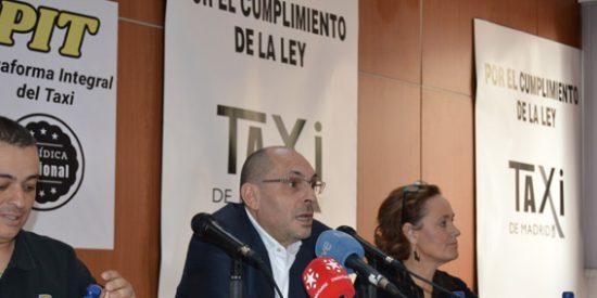 Los taxistas de Barcelona pagan la carrera más cara: el ex juez Elpidio Silva les cobra dos millones de euros por representarles contra Uber y Cabify