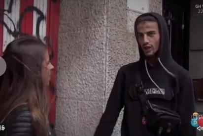 """Los MENAS asolan un barrio de Bilbao y los vecinos ya no aguantan: """"No podemos salir a la calle"""""""
