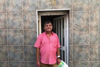 El Quilombo / Fuenteovejuna en Tarragona: un discapacitado recupera su vivienda 'okupada' por magrebíes gracias a un motín de los vecinos