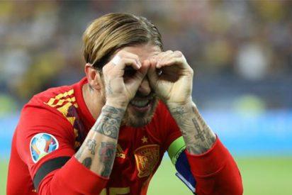 El árbitro saca tarjeta amarilla a Sergio Ramos por hacer este gesto en la celebración de su gol