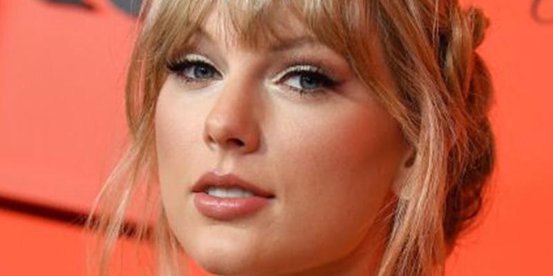 Así era la cara de Taylor Swift antes de operarse