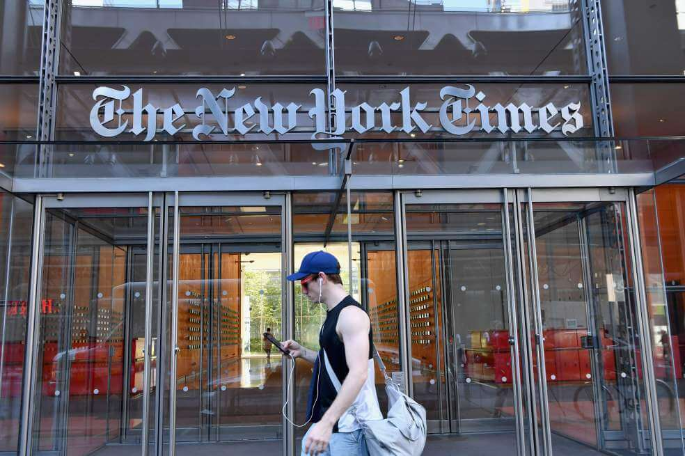 """'The New York Times' deja en paños menores a 'El Mundo Today': """"Los españoles no son blancos"""""""