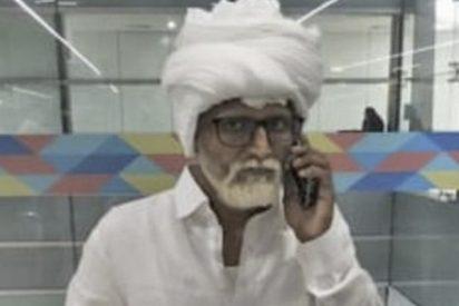 Este jeta de 32 años se viste de pensionista en silla de ruedas para viajar con el pasaporte de 81 años.