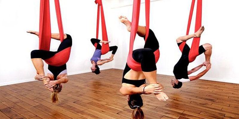 ¿Te atreves con el yoga aéreo? ¡Estos son sus beneficios!