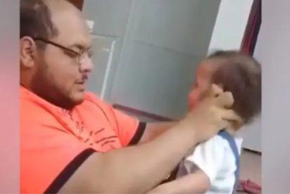 Detenido este miserable tras volverse viral un vídeo en el que golpeaba sin piedad a su bebé para obligarla a permanecer de pie