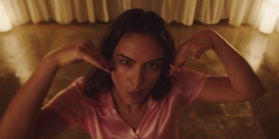 Camila Mendes baila en 'Side Effects' de The Chainsmokers