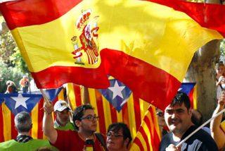 Un catalán amarga la fiesta de la Diada a todos los 'indepes' con el himno de España a todo meter