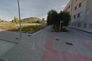 Terrorífico ataque en Córdoba a una pareja mientras intimaban en el coche: el chico muere apuñalado