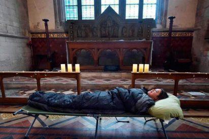 Acampar dentro de un templo ya es posible en Inglaterra y Escocia