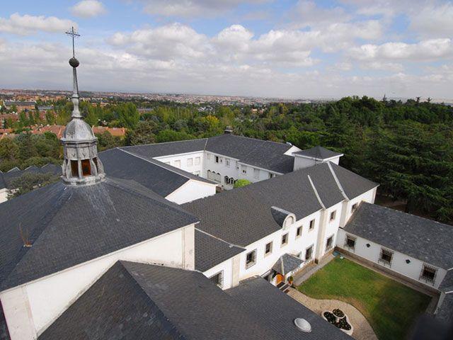 Las monjas de La Moraleja venden por 5 millones los terrenos donde está su iglesia