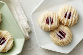 Receta de galletas rellenas de mermelada de fresa