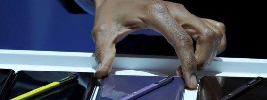 Este Samsung Galaxy Note 9 se incendia espontáneamente en el mostrador de una tienda