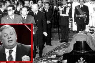 Así explica ahora Fernando Jáuregui cuando fue al Palacio de Oriente e inclinó la cabeza ante el cadáver de Franco