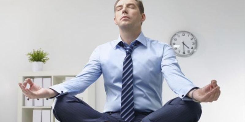 ¿Sabías que la meditación es una de las formas más sencillas de calmar el sistema nervioso?