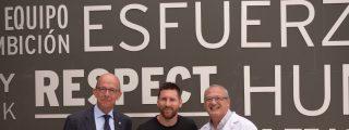 Messi recibe el 'Balón Educativo' de la fundación pontificia Scholas Occurrentes