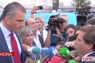 Martínez Almeida se enzarza con Ortega Smith por ir por libre en el minuto de silencio a una víctima machista en una tensa discusión