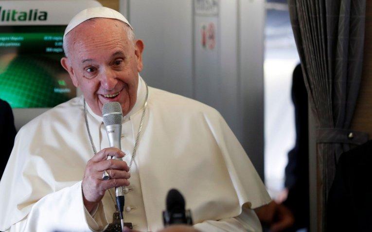El papa considera 'un honor' las críticas de los conservadores estadounidenses
