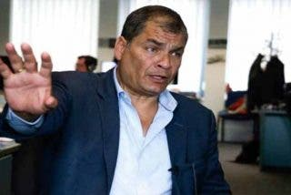Ecuador solicita a Interpol una notificación roja para detener a Rafael Correa