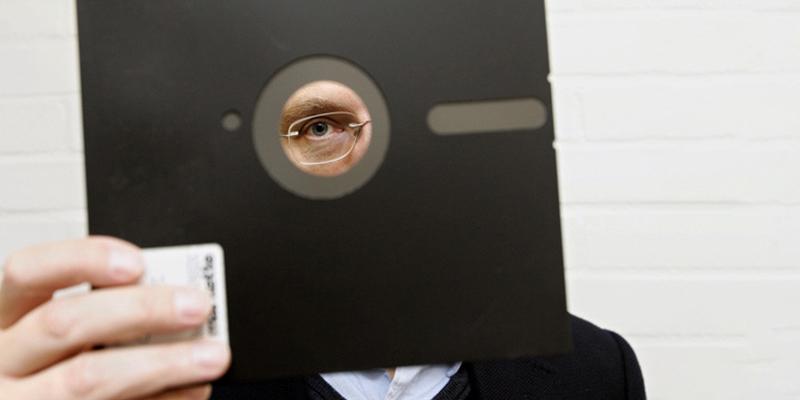 ¡Confirmado!: Los disquetes retro de 8 pulgadas de los años 60 ya no controlan los misiles de Juicio Final de EE.UU.