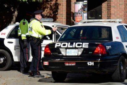 ¡Terrible!: Сuatro adolescentes apuñalan hasta la muerte a un menor de 14 años delante de su madre en Canadá