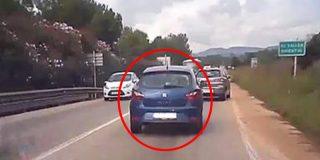 ¿Has visto lo que hizo el conductor del coche azul en esta carretera de Barcelona?