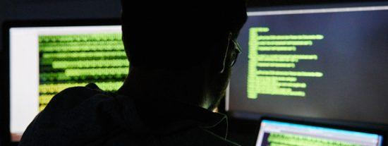 ¿Sabías que un ex ingeniero de Yahoo pirateó 6.000 cuentas de usuarios para descargar fotos íntimas de mujeres?