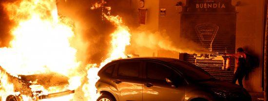 ¿Si te queman el coche en las protestas en Cataluña, tu Seguro lo cubre?