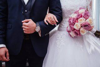 Vídeo: Recién casado deja en ridículo a su esposa durante el primer vals de su boda