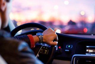 Un hombre se presenta a su décimo examen de conducir en un coche 'robado', vuelve a suspender y acaba detenido