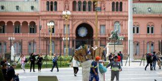 """Así es la """"pesada herencia"""" que Macri deja a Fernández en Argentina: Pobreza, deuda o inflación"""