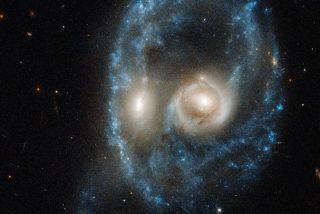La NASA capta esta rara colisión de galaxias con forma de un rostro siniestro