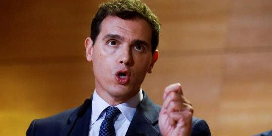 Albert Rivera sacude un tremendo zasca al listillo que pretendía descalificarle hasta por dejar la política